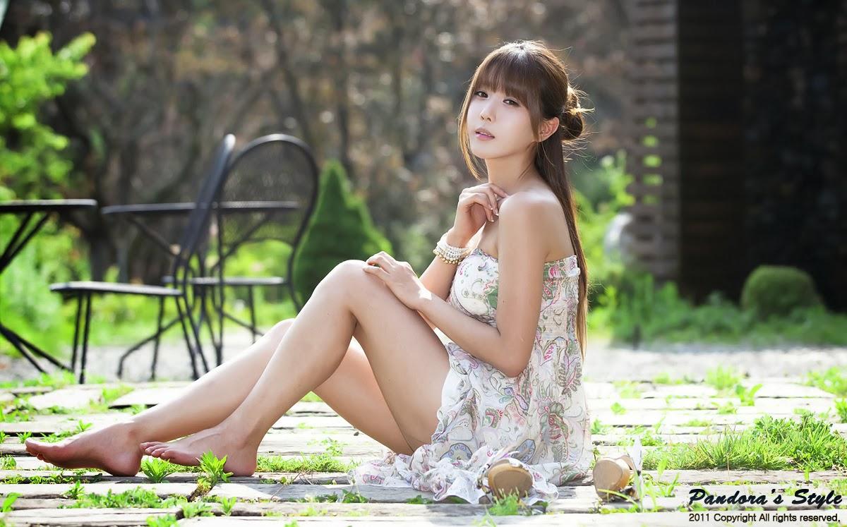 Nude Photo HQ Anime woman pink hair