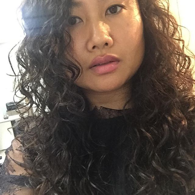asian screaming hair Long curly