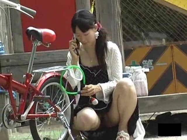 Asian outdoor bubble upskirt