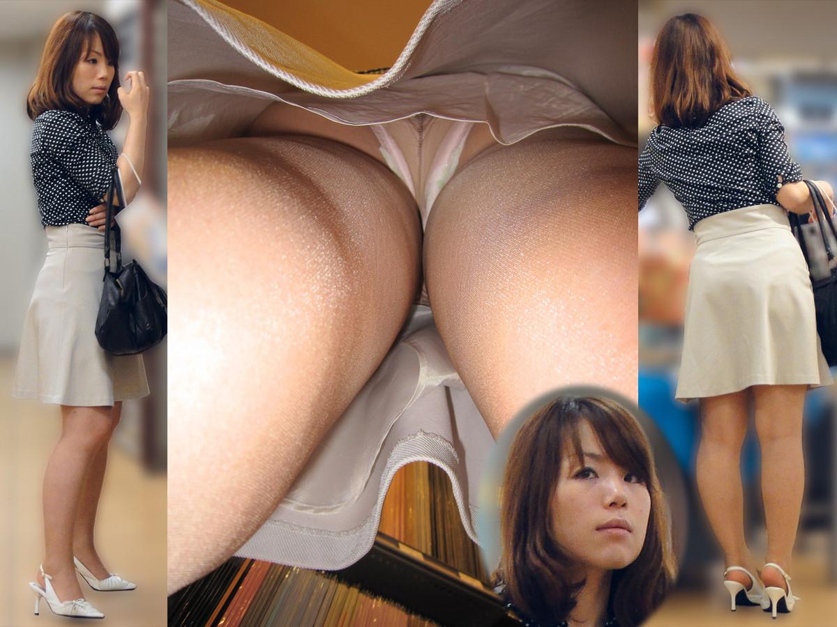 upskirt Naked japan