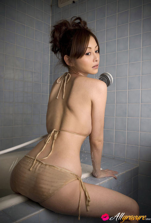 Asian shower curvy makeout