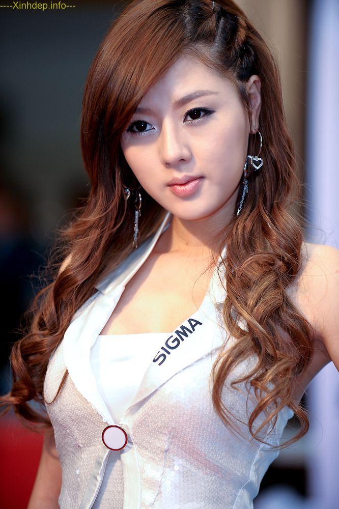 nude Korean teen girl